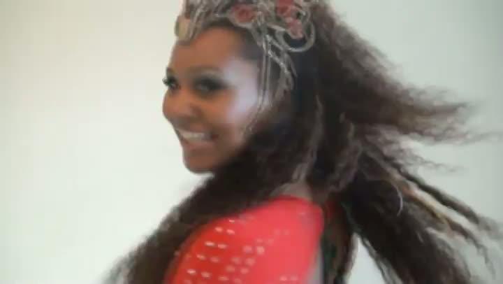 Gaúcha Viviane Rodrigues é a madrinha de bateria da Tatuapé, de São Paulo