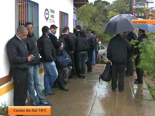 TVCOM 20 Horas - Brigada anuncia reforço de policiamento em ônibus. Onda de assalto leva medo a passageiros e rodoviários - Bloco 1 - 23/07/2014