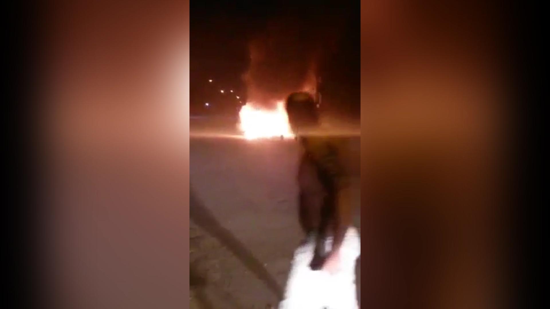Veículo é incendiado na noite desta terça-feira em Laguna, no Sul de Santa Catarina