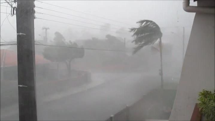 Confira o vídeo da tempestade em Pirabeirada, Joinville.