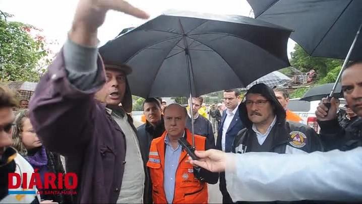 Governador José Ivo Sartori visita áreas atingidas pela chuva em Santa Maria