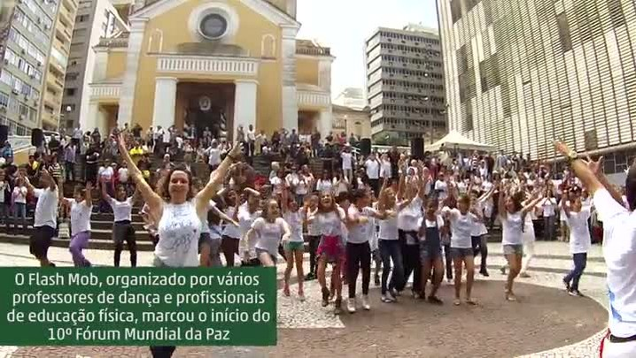 Flash Mob abre o 10º Fórum Mundial da Paz em Florianópolis