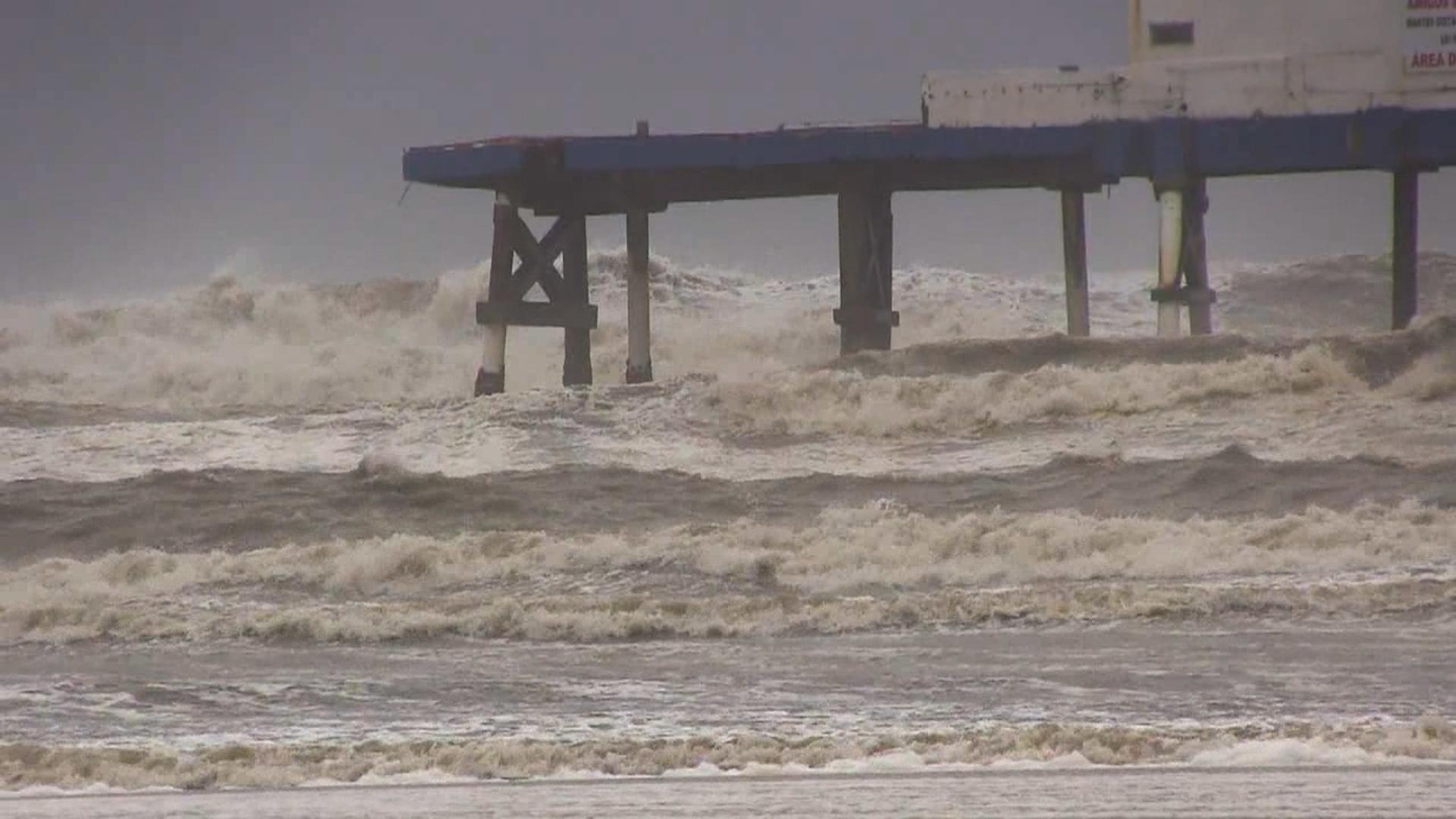 Ressaca pode provocar ondas de até 4 metros no litoral gaúcho