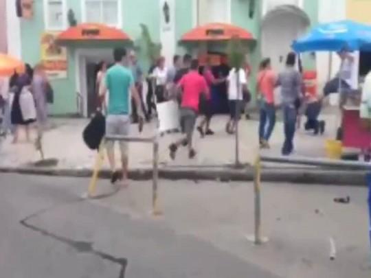 Dez ambulantes agridem fiscais da Sesp