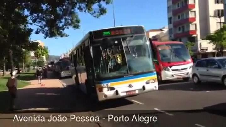 Rodoviários fazem Operação Tartaruga nesta quinta-feira, em Porto Alegre - 16/01/2014