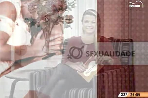 """TVCOM Tudo+ - O polêmico americano que ministra palestras sobre \""""como pegar mulher\'\' - 25.11.14"""