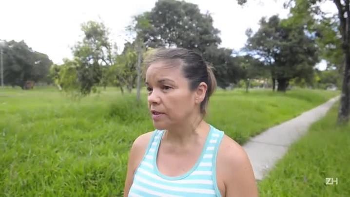 Falta de capina nas praças de Porto Alegre