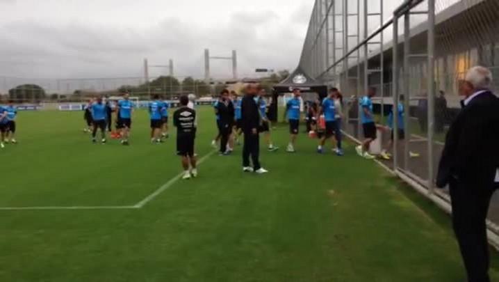 Veja imagens do primeiro treino do Grêmio com Roger no comando técnico