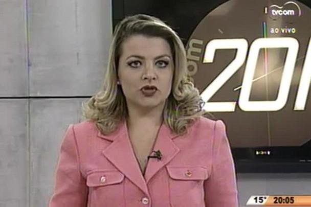 TVCOM 20 Horas - Câmara de Joinville compara diploma que seria falso com documento original - 19.06.15