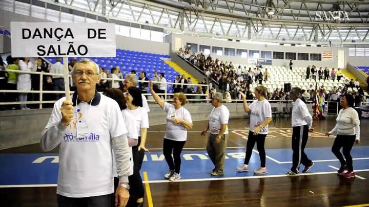 Idosos de Blumenau dão exemplo de qualidade de vida nos Jogos da Terceira Idade