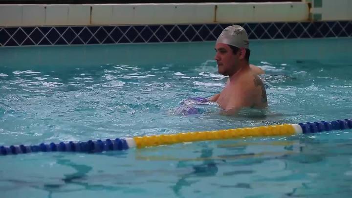 Jump, bike e circuito: veja como são estas aulas na piscina