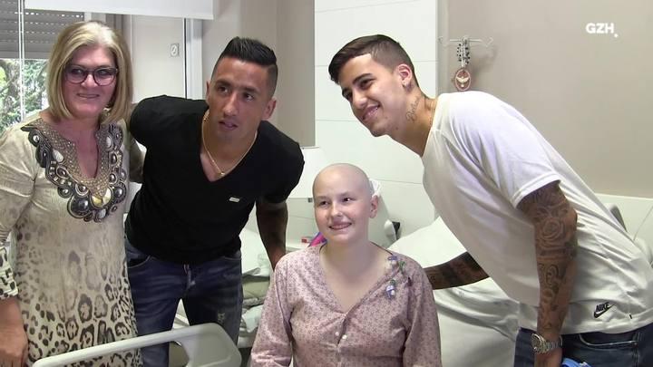 Barrios e Beto da Silva fazem a alegria da criançada em hospital