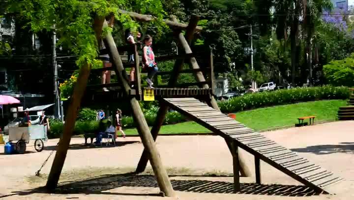 Sábado de calor no Parcão, em Porto Alegre