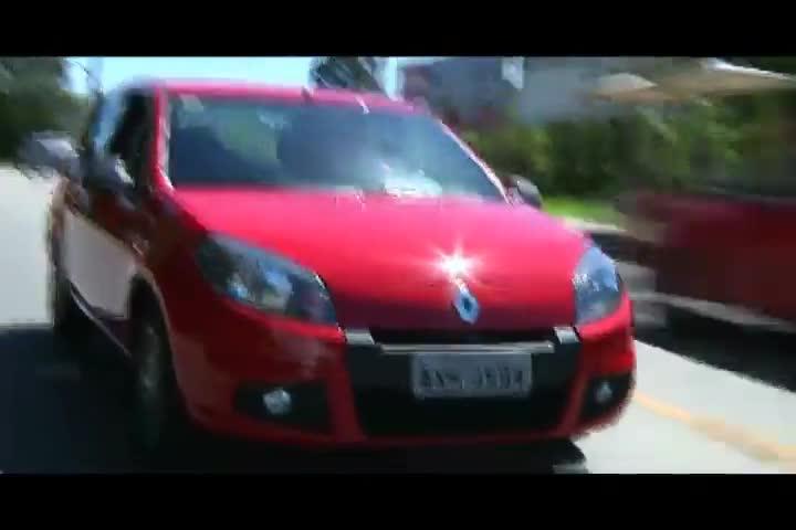 Carros e Motos - Saiba tudo sobre a nova versão limitada do Renault Sandero - Bloco 3 - 10/11/2013