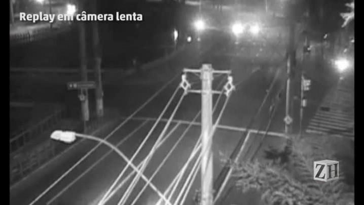 Câmera mostra veículos em alta velocidade antes de acidente fatal na Ipiranga