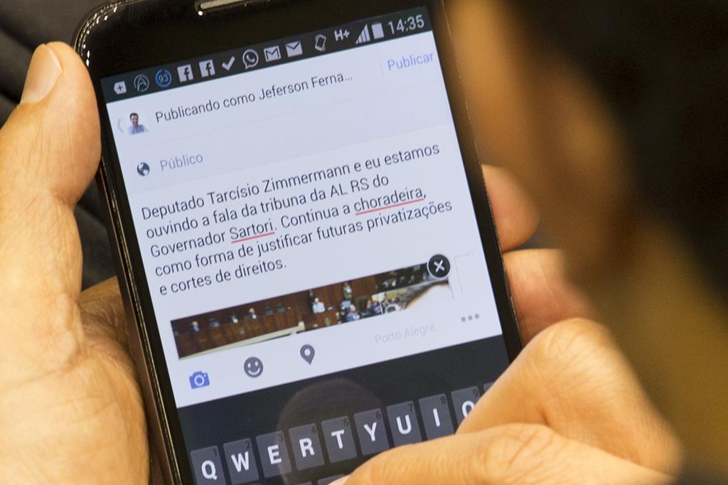 Smartphone faz sucesso na Assembleia