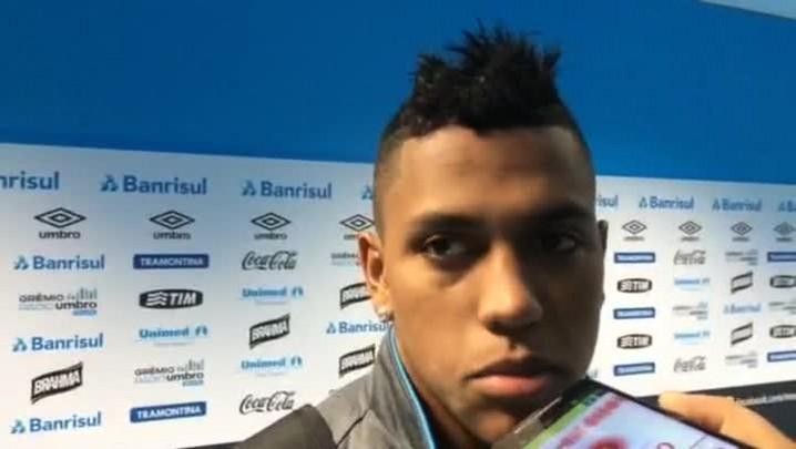 Pedro Rocha diz que sofreu falta no gol do Criciúma