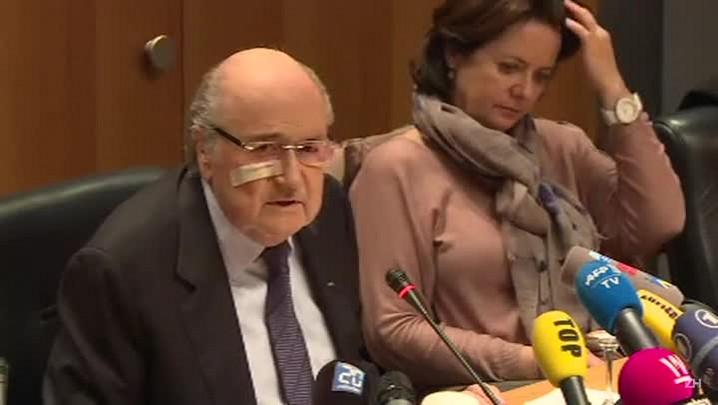 Blatter e Platini são suspensos por oito anos pela Fifa