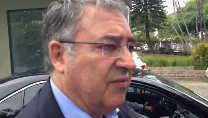 Governador de Santa Catarina lamenta acidente envolvendo avião que levava Chapecoense para a Colômbia