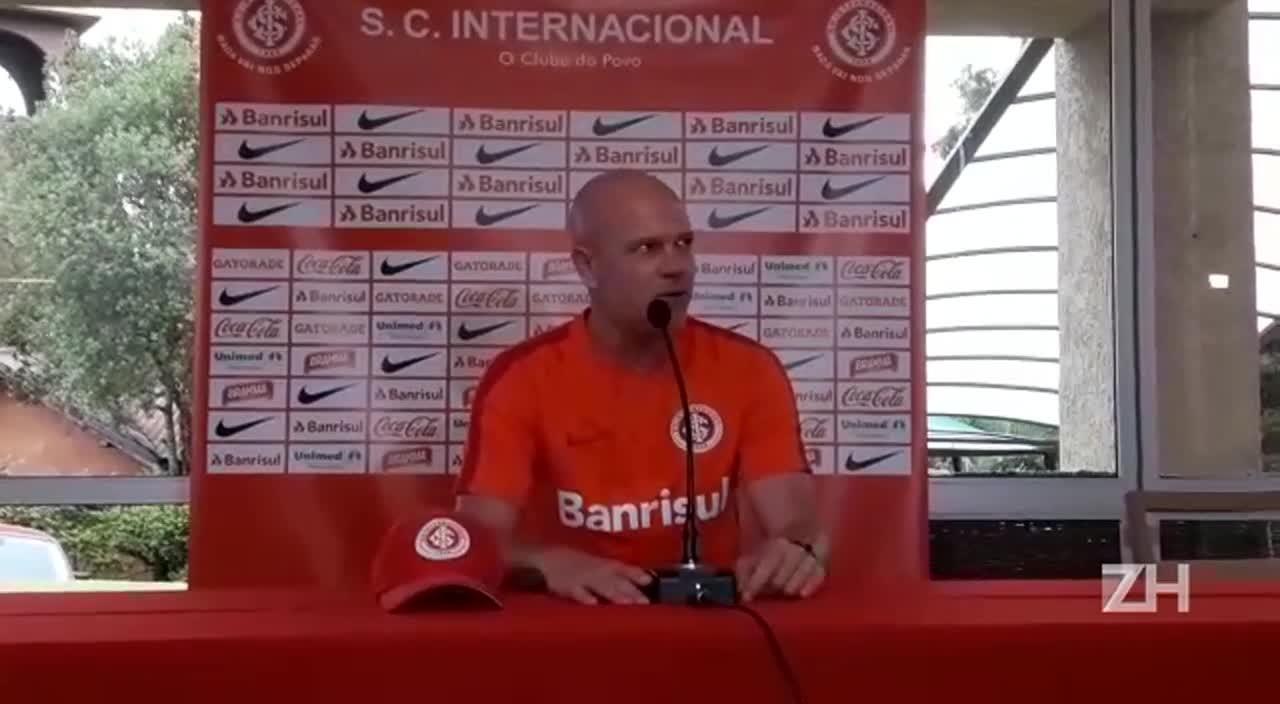 """Zago fala sobre derrota do Inter em jogo-treino: \""""Serviu para conheceremos os jogadores\"""""""