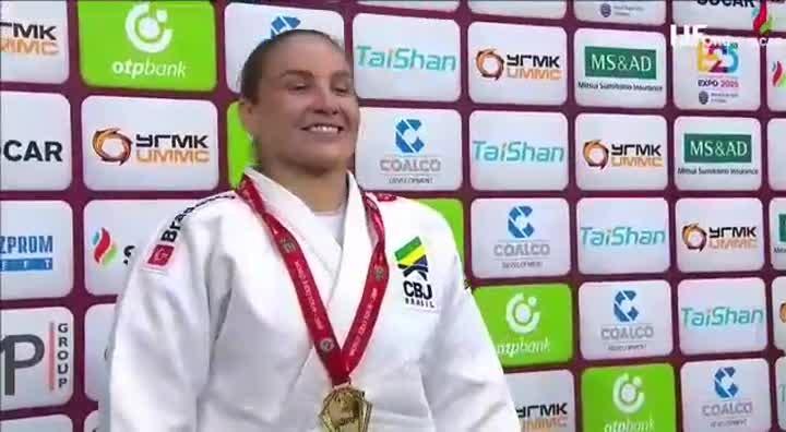 Maria Portela conquista ouro em Grand Slam na Rússia