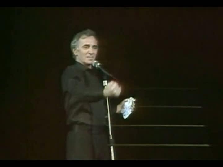 Programa do Roger presta homenagem à Charles Aznavour com um clipe especial de \'La Bohème\'