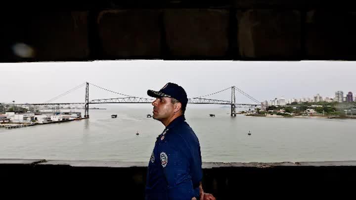 Entrevista com bombeiro responsável por operação no incêndio na ponte em 2003