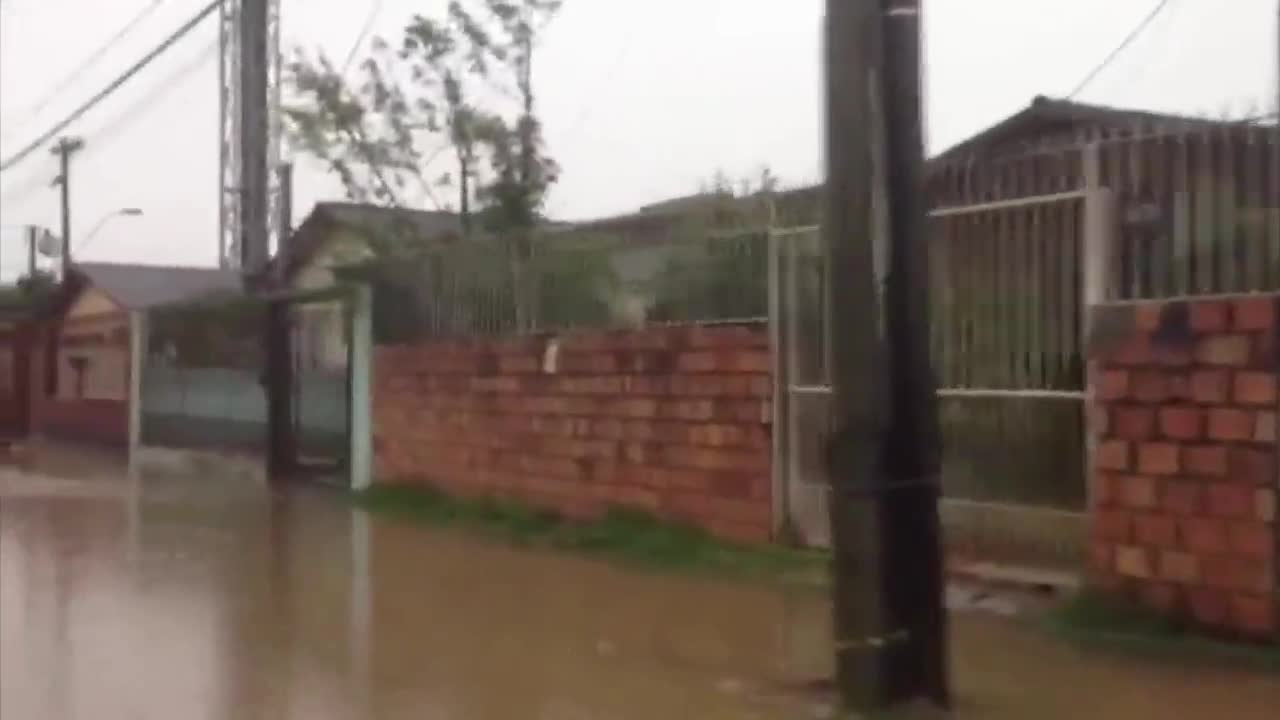 Moradores do Sarandi precisam deixar suas casas pela segunda vez em 2 meses - 11/11/2013