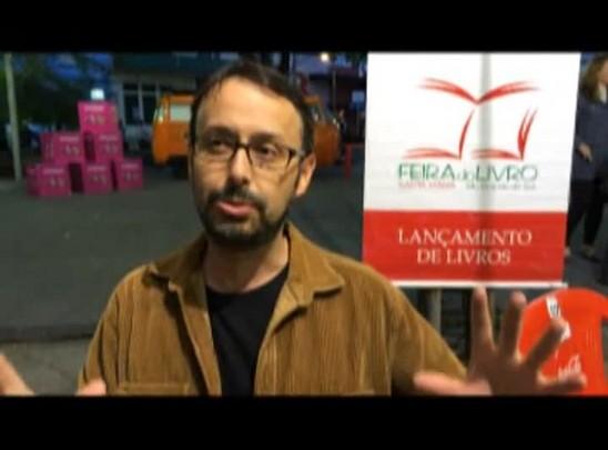 Leonardo Brasiliense indica livro