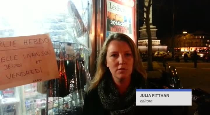 Charlie Hebdo esgota nas bancas de Paris