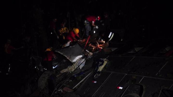 Primeiros a chegar no local do acidente relatam o que viram na Serra Dona Francisca em Joinville