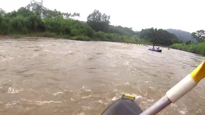 Canoagem para todos leva jaraguaenses a passeio pelos rios da cidade