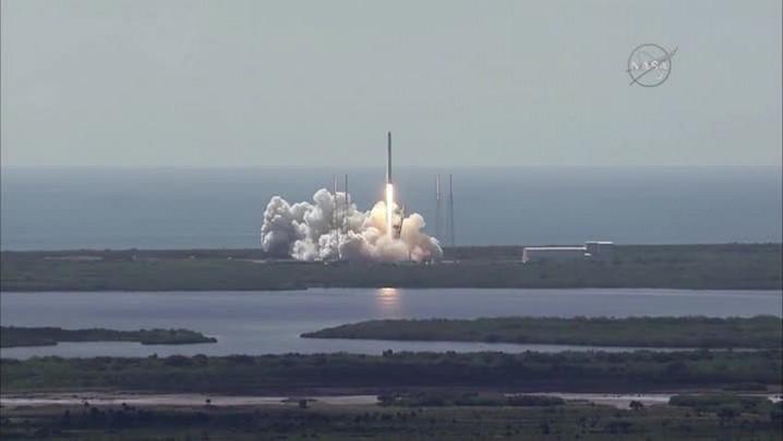 VÍDEO mostra explosão de foguete após decolagem nos EUA