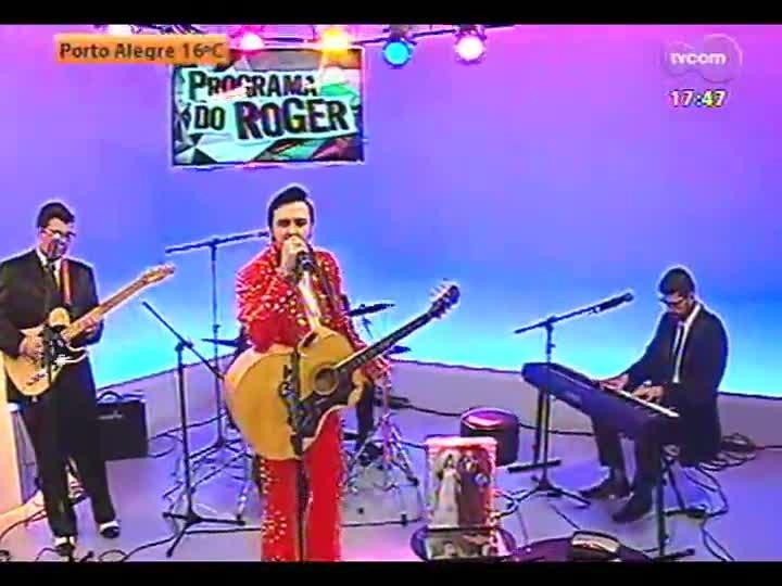Programa do Roger - Especial Rei do Rock com apresentação do cover de Elvis Fabiano Feltrin - bloco 1 - 30/05/2013