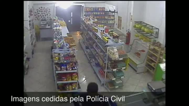 Imagens ajudam Polícia a identificar e prender assaltantes de mercado em Sapucaia do Sul. 04/09/2013