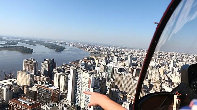 Um passeio aéreo pela Bienal do Mercosul