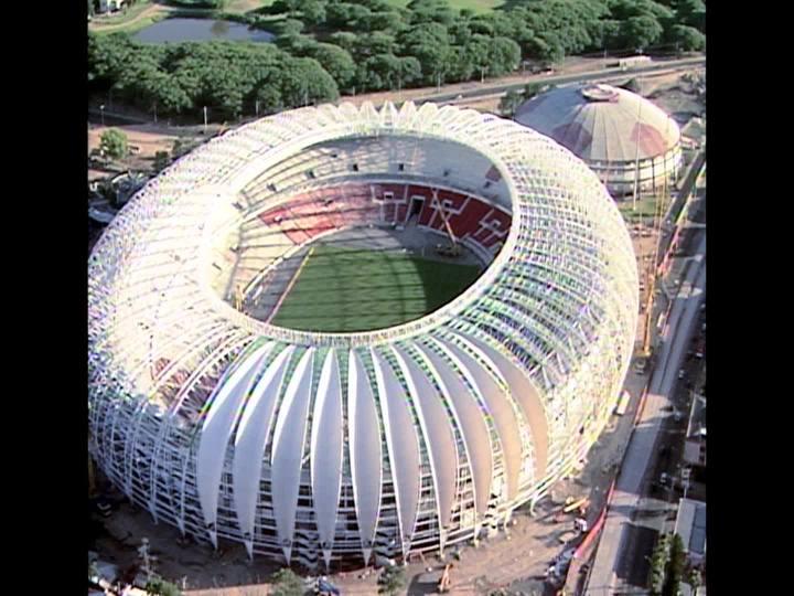 Porto da Copa - Saiba de onde vem a grama de diversos estádios do Mundial de 2014 - Bloco 1 - 14/12/2013