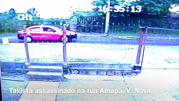 Polícia divulga imagens de suspeitos do assassinato de taxista na zona sul de Porto Alegre. 26/12/2013