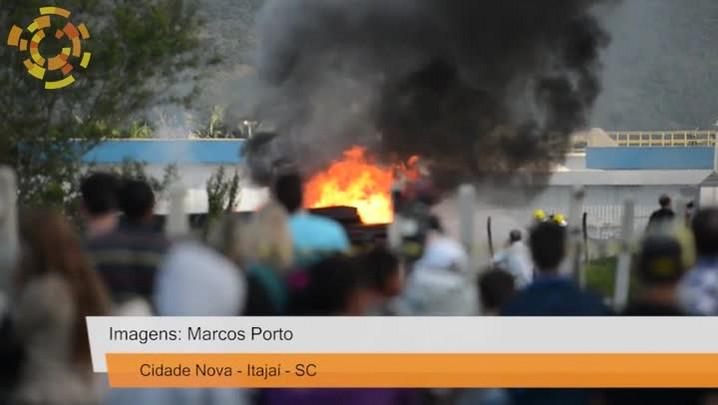 Incêndio destroi estação de tratamento da Semasa no Cidade Nova, em Itajaí