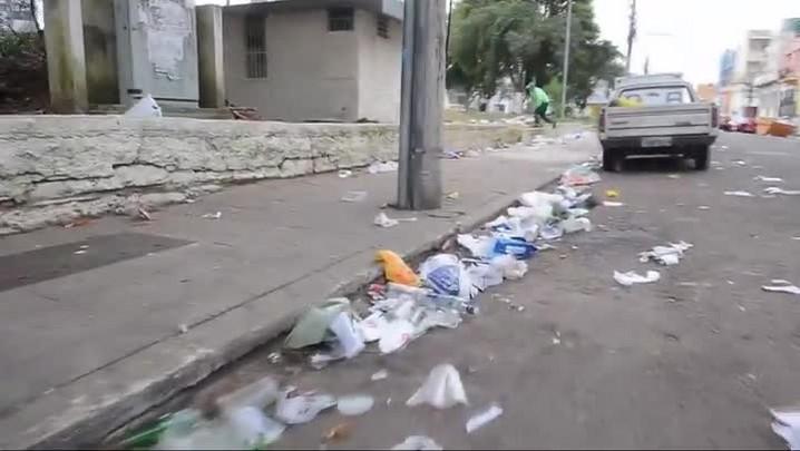 Saturnino amanhece suja após encontro de universitários em Santa Maria