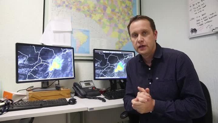 Previsão de chuva forte para a semana e feriado em Santa Catarina