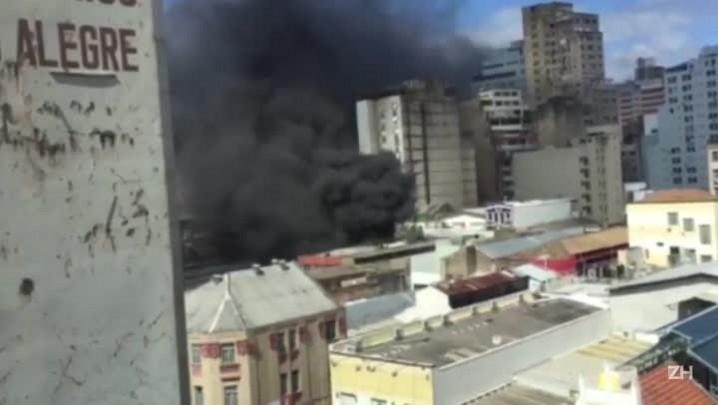 Incêndio atinge loja de roupas no centro da Capital