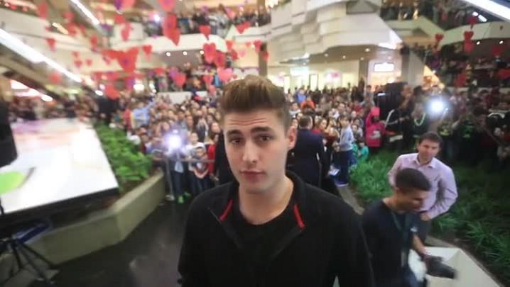 Conheça o youtuber RezendeEvil