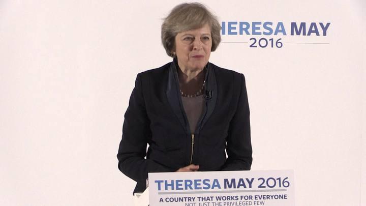 Theresa May se torna única candidata no Reino Unido
