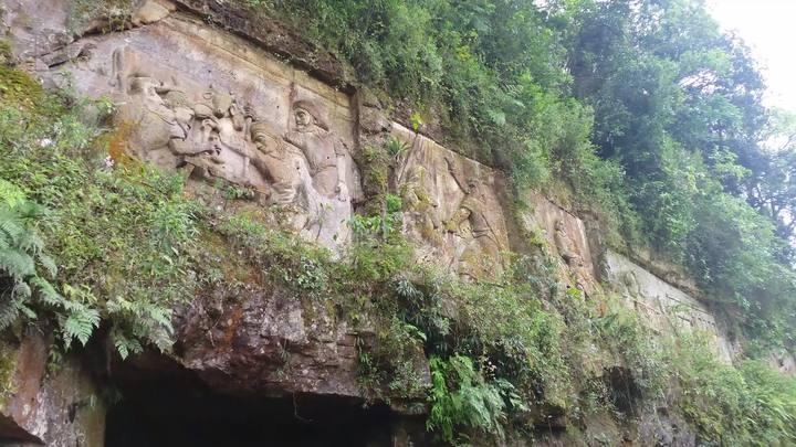 Paredão de Orleans: grupo de trabalho promove ações para restaurar a obra esculpida em rocha
