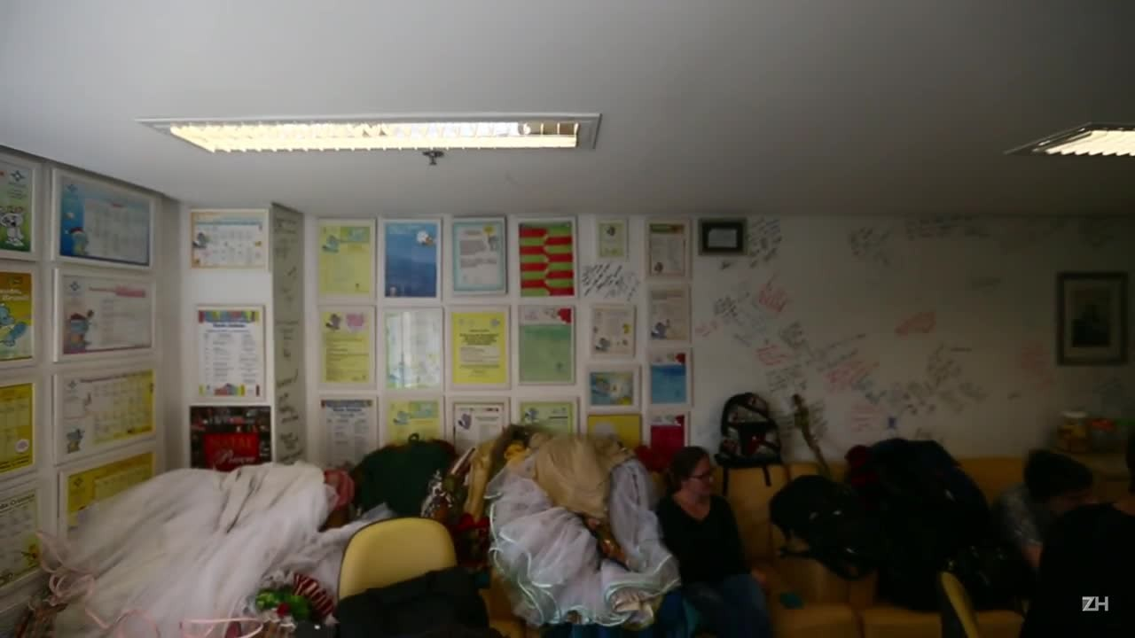 Korvatunturi visita pacientes de Hospital da Criança Santo Antônio