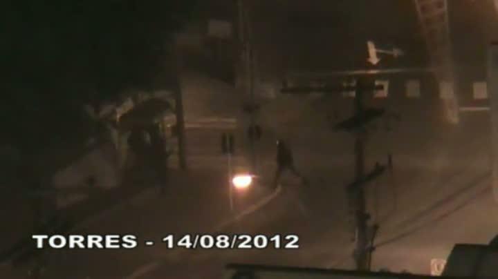 Polícia divulga vídeos de assaltos a banco no Estado