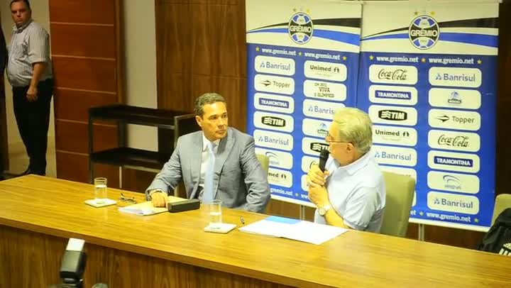 Koff discursa durante a renovação de contrato com Luxemburgo
