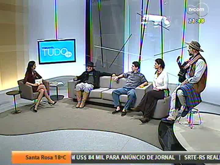 TVCOM Tudo Mais - Os músicos do grupo Buenas e M\'espalho seguem no estúdio para falar dos seis anos de parceria