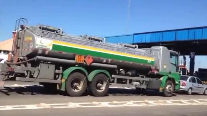 Movimento na praça da RS-040, em Viamão, na manhã desta terça-feira. 07/01/2014